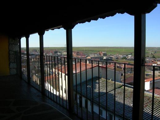 Mirador sobre la muralla del siglo XII