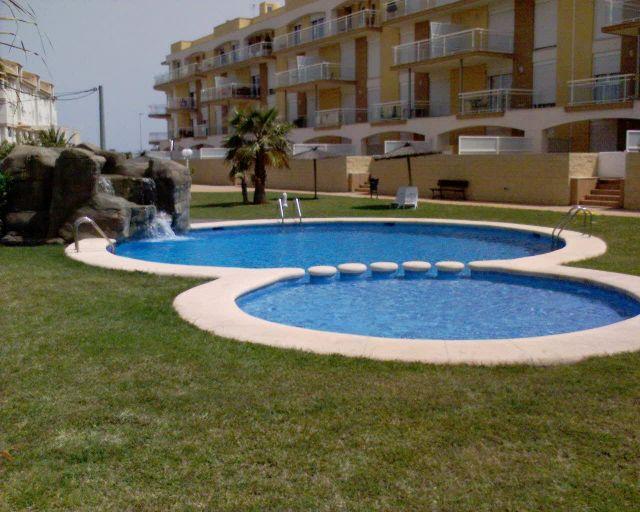 BAJO PRIMERA FILA GRAN TERRAZA, holiday rental in Denia