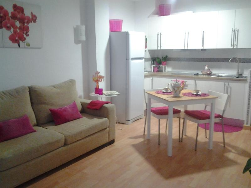 Apartamento nuevísimo en la playa, holiday rental in Benalmadena