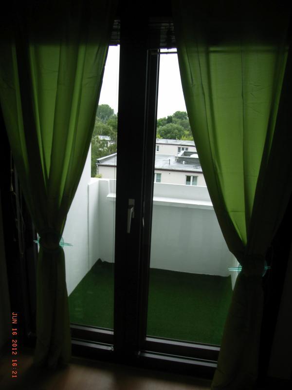 Mira en el balcón