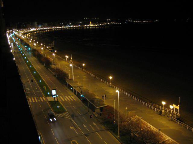 Vista al exterior nocturna