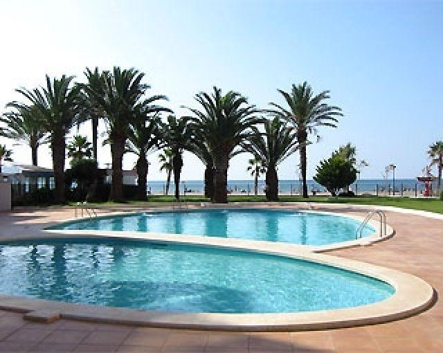 APARTAMENTO EN 1ªLINEA DE MAR-RCH 2504, holiday rental in Roses