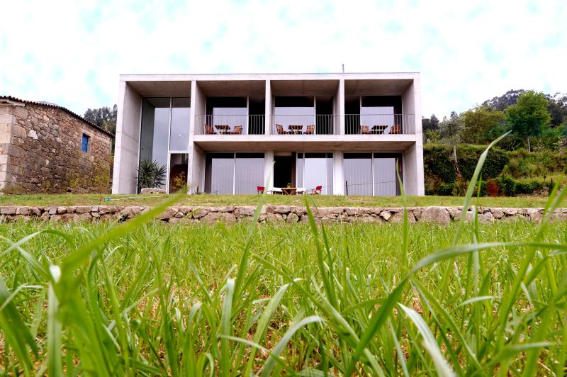'Villa' (3 quartos, sala e cozinha)