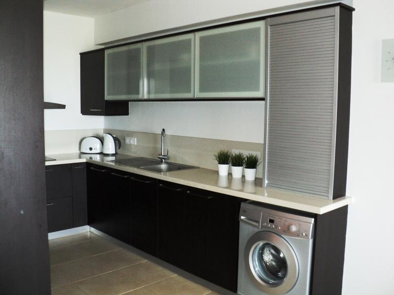 Enjoy cooking in a Fully fitted modern kitchen