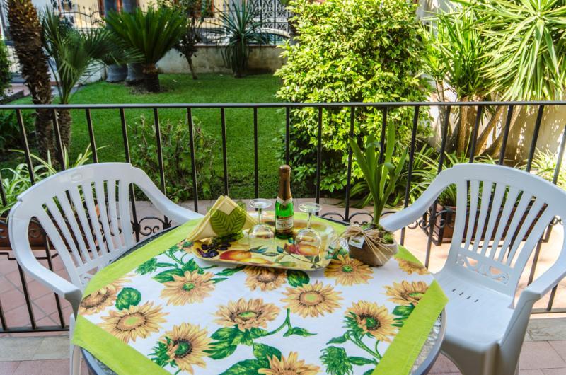 Miele - AcquaMarina Case, holiday rental in Scillichenti