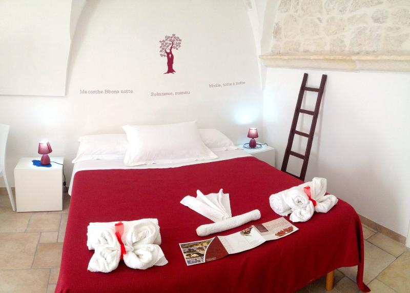 Sant'Anna Luxury Traditional Apartments, vacation rental in Brindisi