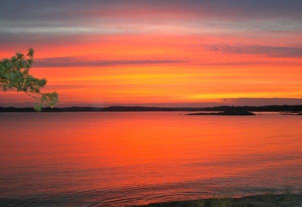 Sunset at AihkiNjarga.