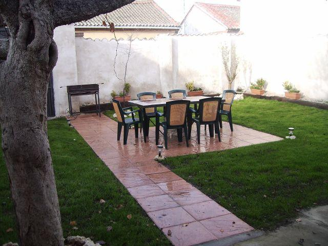 CASA RURAL LAS BARRICAS, holiday rental in Montejo de Arevalo