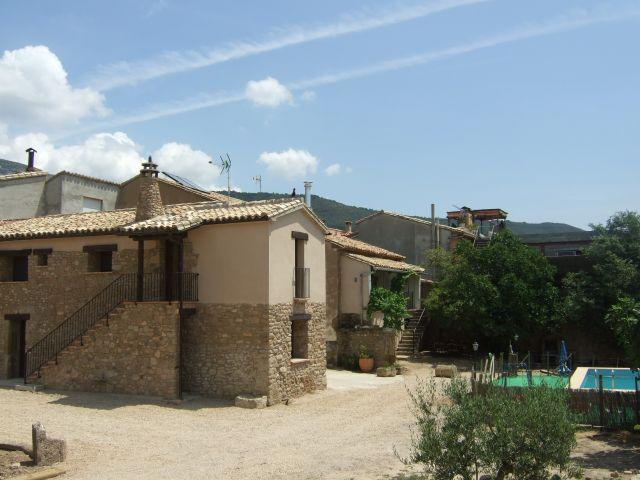 Casa Bernues- completa hasta 18 personas., vacation rental in Huesca