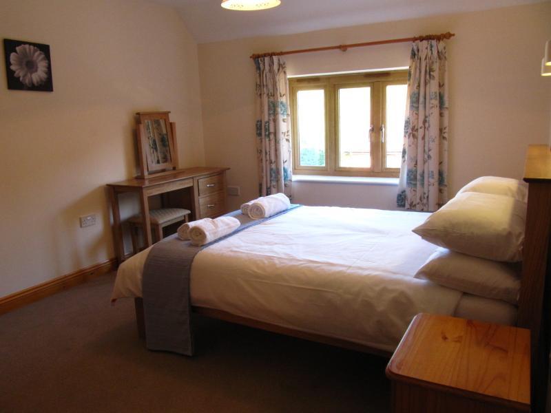 Jasmine Cottage ensuite double bedroom