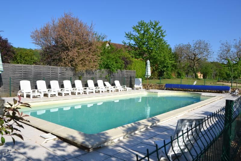 Gite Les Milandes, holiday rental in Saint-Julien-de-Lampon