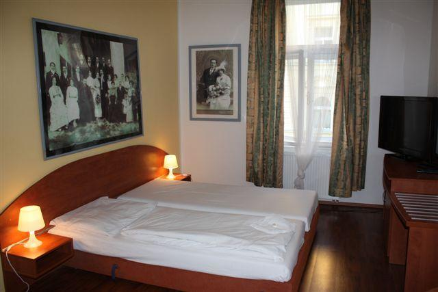 Apartment for 4 persons in the center of Prague, holiday rental in Roztoky