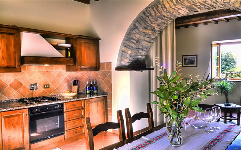 BUCCIA NERA bilo2, holiday rental in Tregozzano