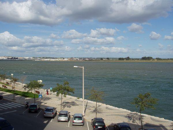 Excelent Apartment river view, holiday rental in Vila Real de Santo Antonio