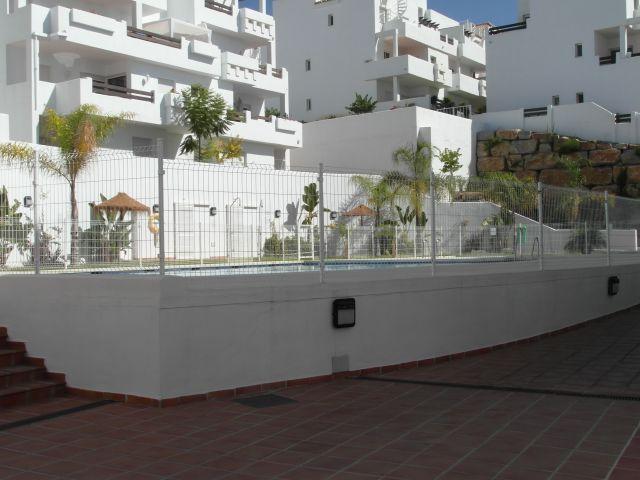 Duplex en Valle Romano. Villa Borghese. Estepona. Malaga. Costa del Sol., vacation rental in Estepona