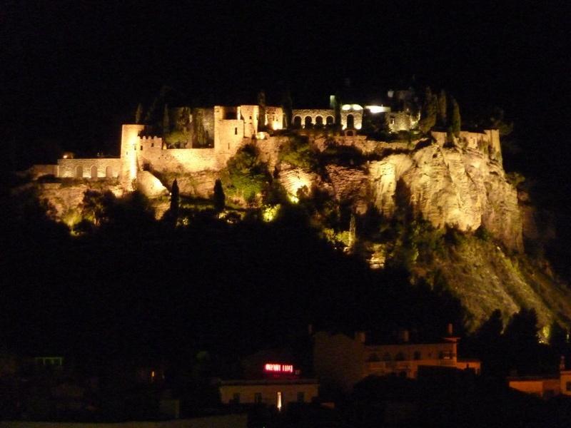 Vue du séjour sur château ( illuminé tous  les soirs )