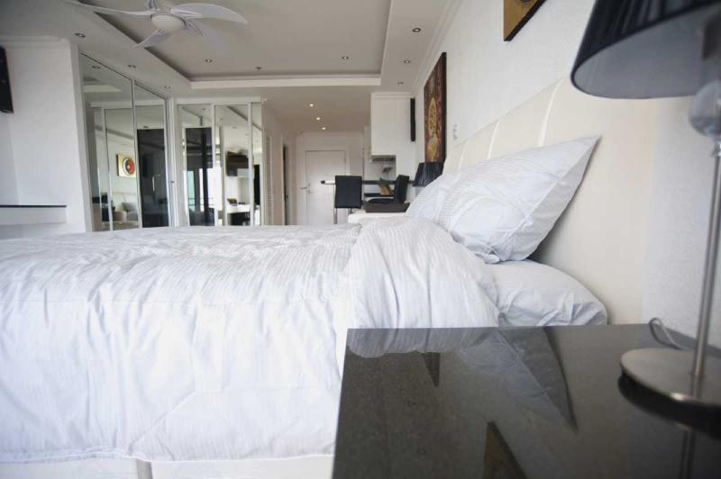 Luxury Studio Pattaya central, holiday rental in Pattaya