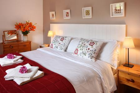 Cosy and romantic with superking bed, which can also be twin beds