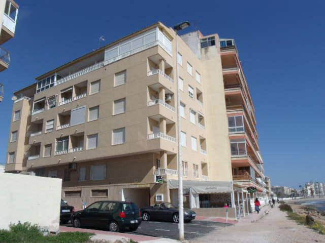 Beach Apartment two bedrooms, wifi Available, vacation rental in Torrevieja