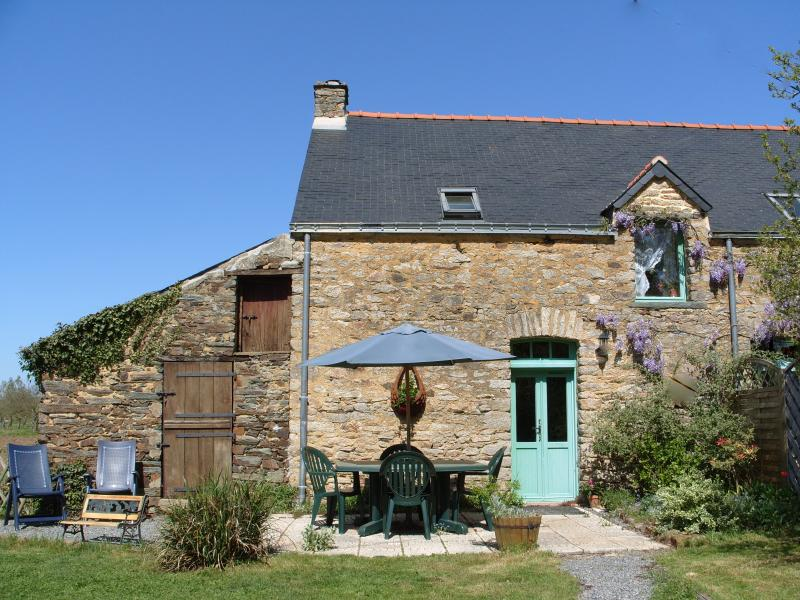 SouthBrittanyGites - les Chenes (The Oaks)  country home, a peaceful and comfortable haven