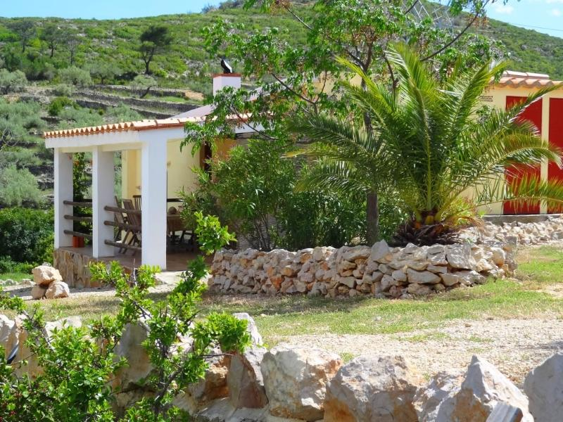 El Dragonet; stunning views on a valley, restored traditional Spanish casita – semesterbostad i Miravet