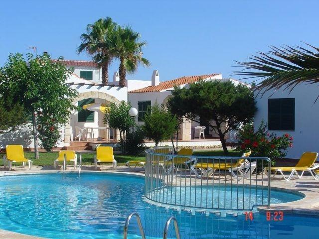 4 casas que comparten piscina y jardín (nº2, 1 baño), vacation rental in Ciutadella