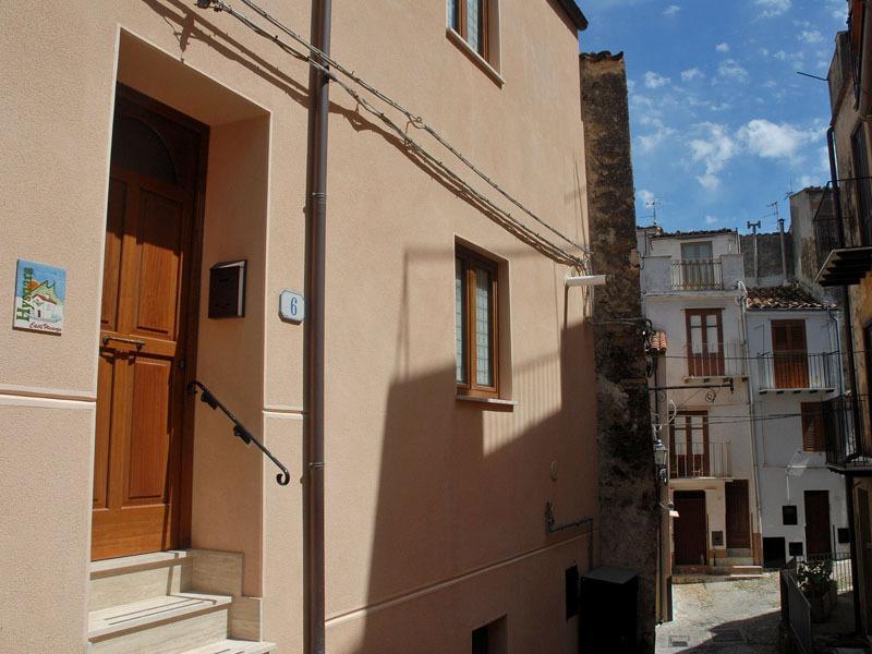Hysnara casavacanze, vacation rental in Isnello
