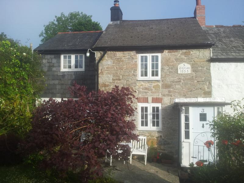Get away from it all to old world charm with modern comforts in a splendid moorland village setting.