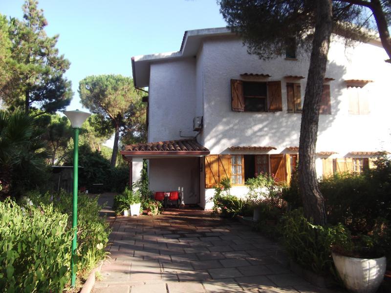 Villa MANUELA, vacation rental in Santa Margherita di Pula