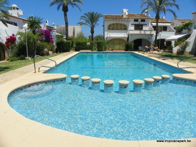 Fase II no Tropicana Parque piscina