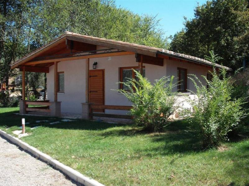 Chalet/Villetta 4+2, vacation rental in Penna in Teverina