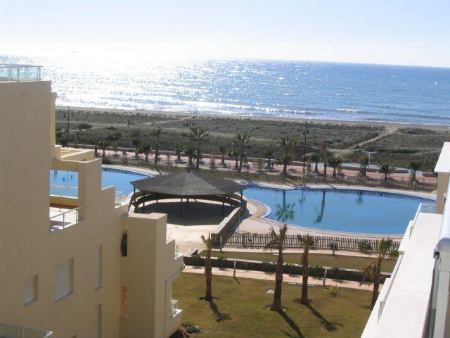 atico duplex primera linea con WiFi y aire acondicionado:'Duplex de la sal', holiday rental in Adra
