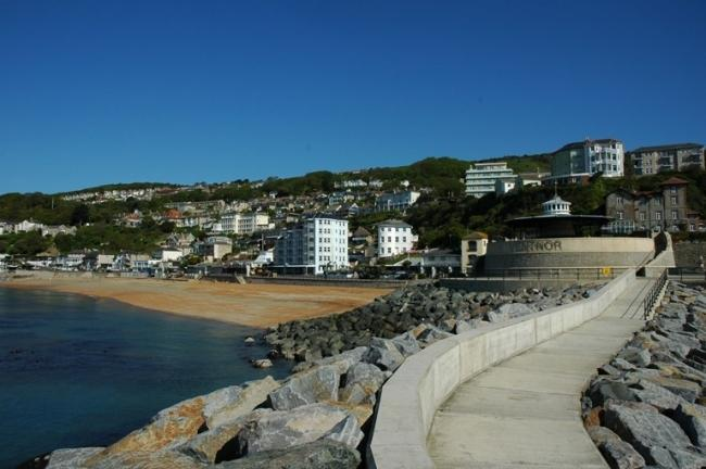 Looking back towards the beach from the harbour arm