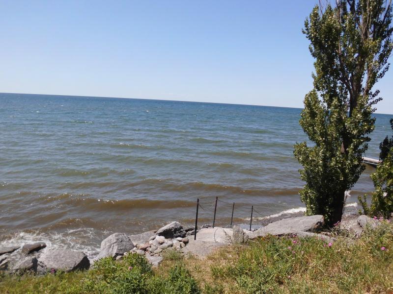 Utsikt över sjön från däcket