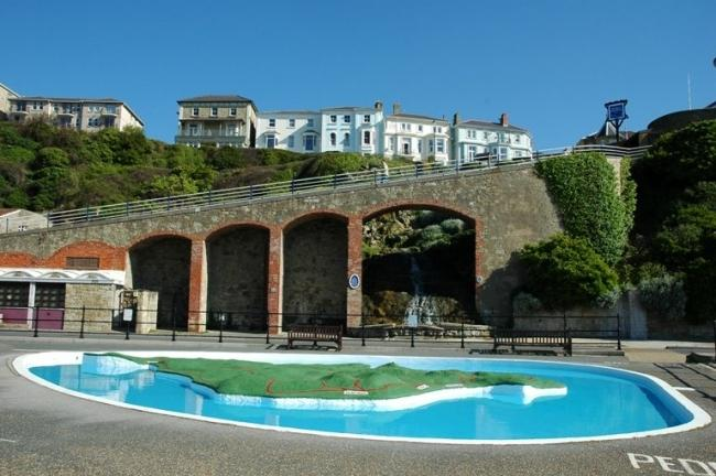 The children's free paddling pool at the foot of the cascade