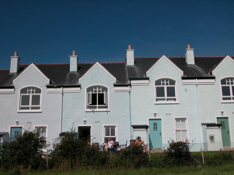 Causeway Cottage Portballintrae 5 mins walk to sea, holiday rental in County Antrim