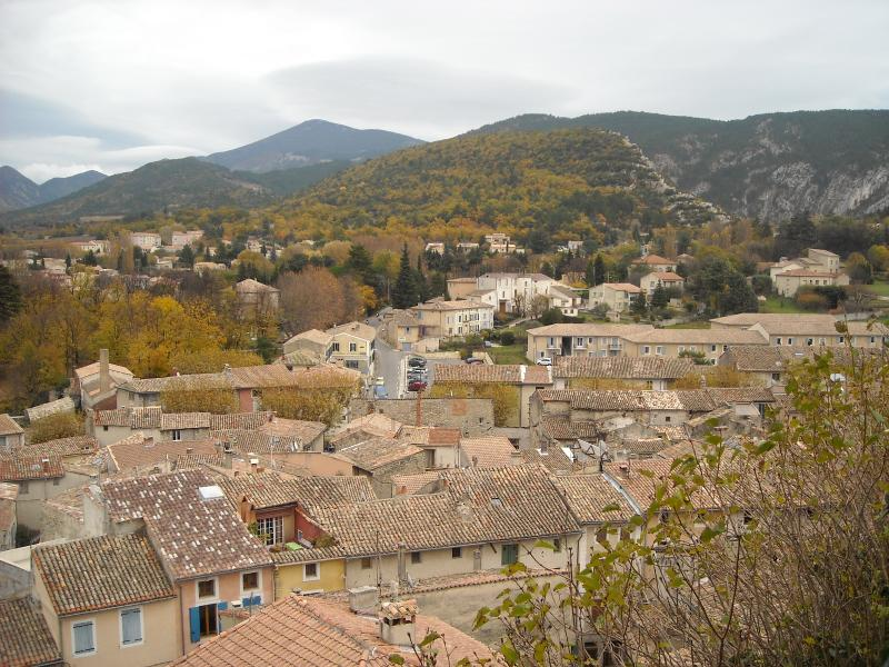 Studio Apartment, Mt Ventoux, holiday rental in Malaucene
