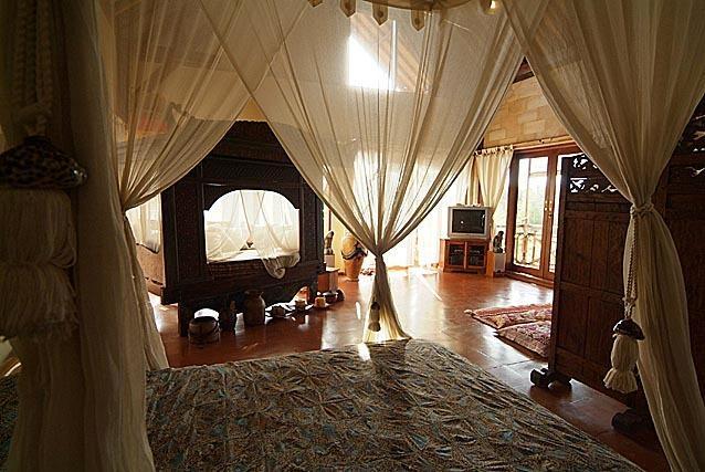 upstairs main bedroom