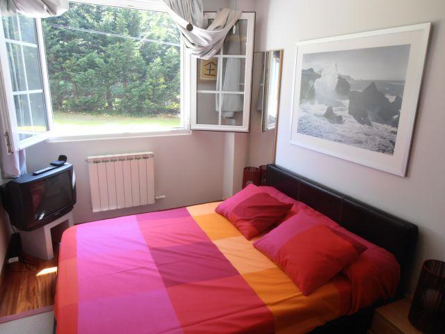Dormitorio principal, cama de 150 vicolatex, ventilador de techo, y ahora televisión de plasma 32..