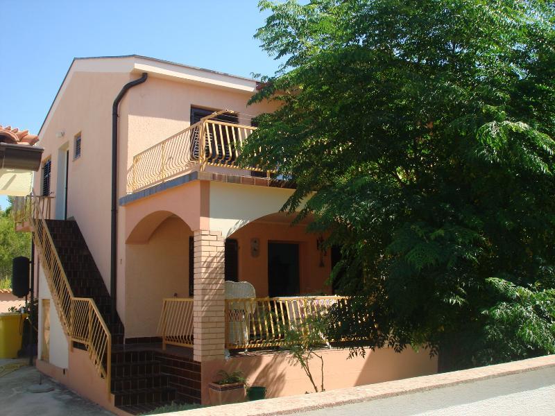 Apartmani Paveli, vakantiewoning in Nin