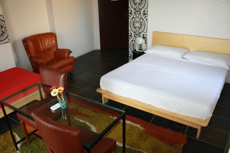Lerux guest house, location de vacances à Villaseta