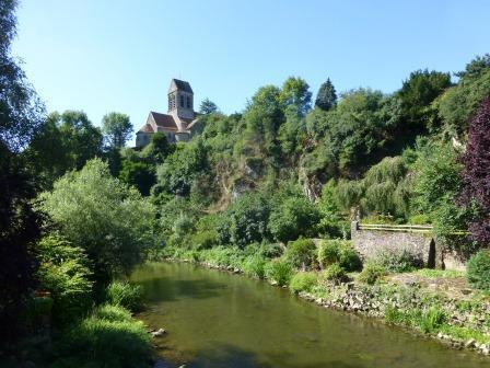 Saint Céneri , classé parmi les plus beaux villages de France, au coeur des Alpes mancelles.
