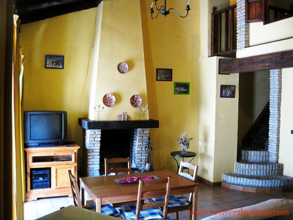 Casa Rural para 6 personas ..., holiday rental in Galaroza