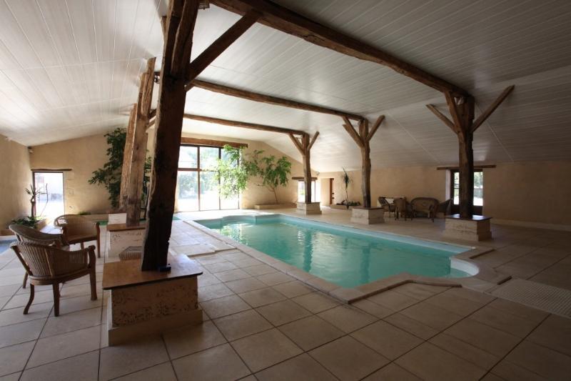 Piscine couverte chauffée toute l'année/ Sauna / Hammam