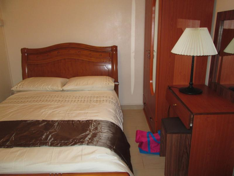 En-suite double bedroom with shower