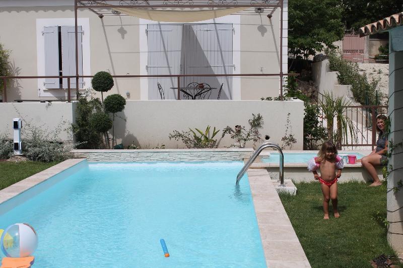 Le gite et sa piscine