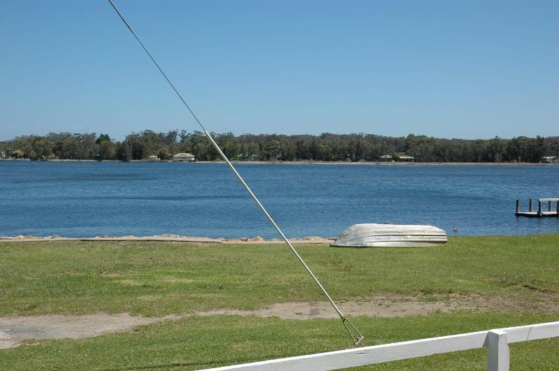 Blick über Burrill-See von der Vorderseite des Hauses.