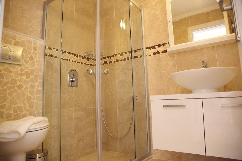 fully tiled shower rooms