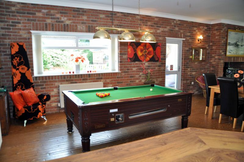 Walnut house lowestoft updated 2019 holiday rental in - Suffolk hotels with swimming pool ...