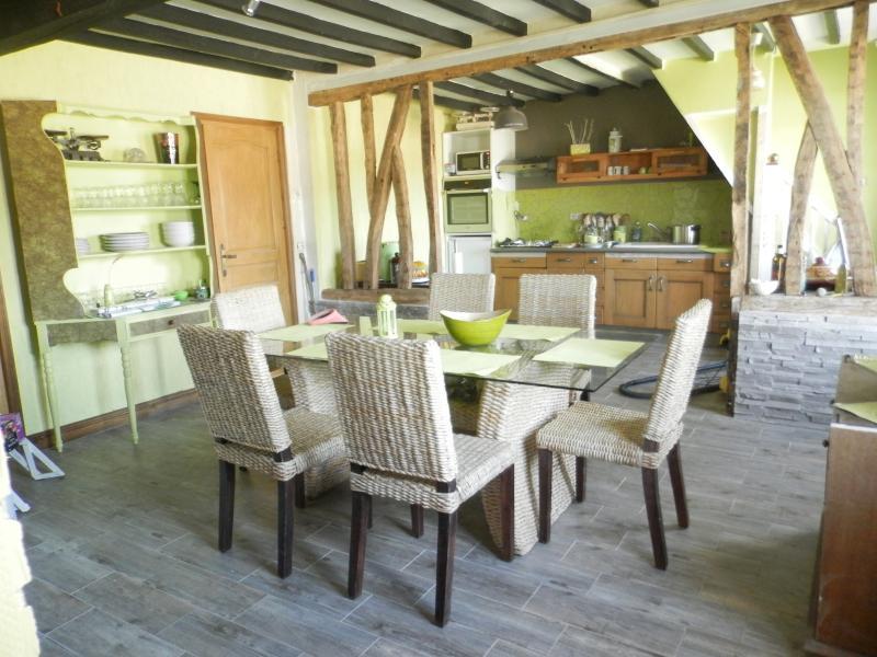 salle a manger sur cuisine ouverte